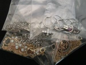 貴金属 アクセサリー 宝石