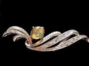 ダイヤ 色石ブローチ