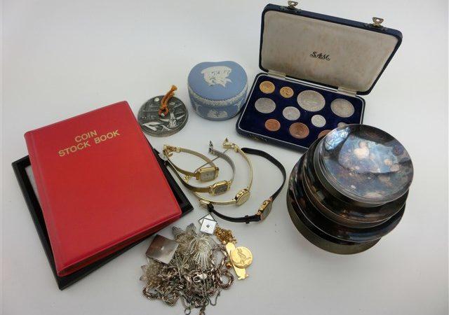 遺品整理で金、銀、貴金属、時計、古い硬貨などをお買取りさせて頂きました!