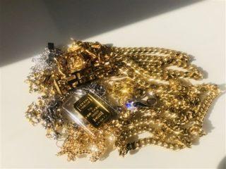 大阪・奈良でダイヤモンド,金,銀,プラチナの適正高価買取なら蔵屋橘にお任せ下さい。