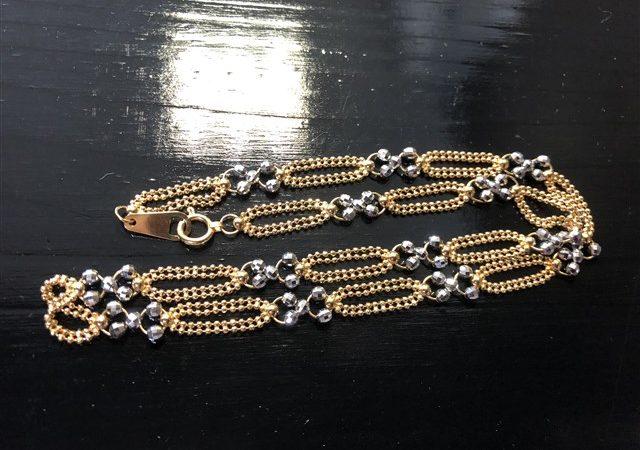 吉野郡大淀町のお客様より、金/プラチナのネックレスをお買取りさせて頂きました。