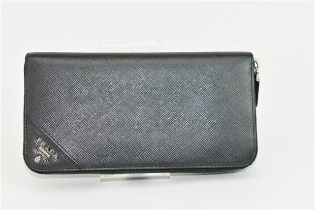 ブランド品からプラダ  サフィアーノ ラウンドファスナー 長財布をお買取りさせて頂きました!