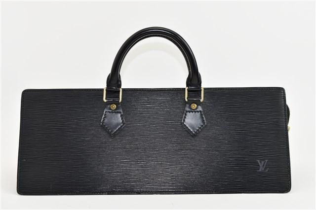 ブランド品からルイヴィトン エピサック・トリアングル M52092をお買取りさせて頂きました!