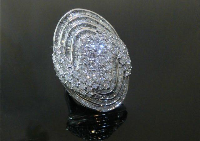 千葉県柏市のお客様からダイヤモンド計5.00ct付プラチナリングをお買取りさせて頂きました。